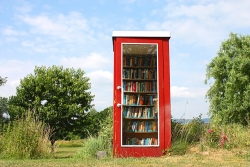 Bookcrossing Phone Box